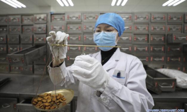 """""""La combinación de la medicina tradicional china y occidental en el tratamiento del coronavirus (Covid-19) ha demostrado ser efectiva"""""""