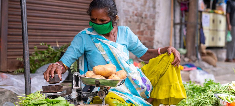Sólo uno de cada ocho países protege a las mujeres del impacto económico y social del COVID-19
